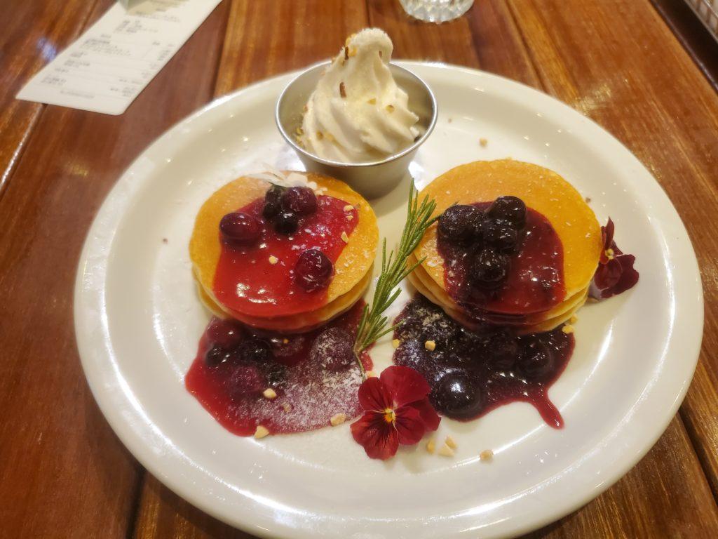 凛と桜のダブルソースパンケーキ