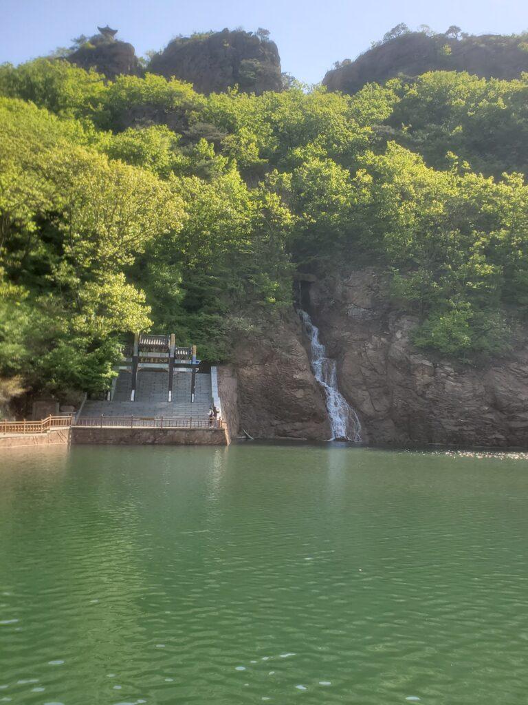 鳳凰山の湖