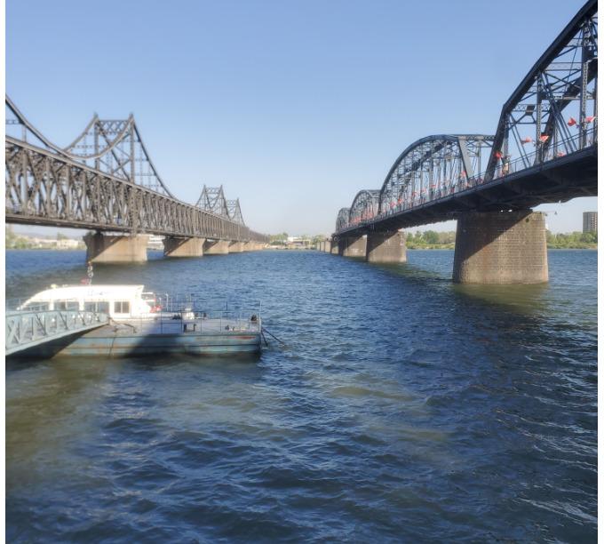 鴨緑江に架かる二つの橋と北朝鮮