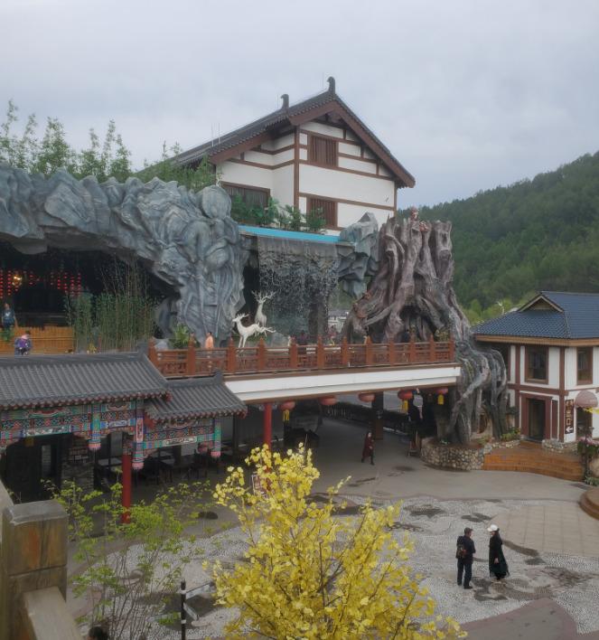 中国旅行で泊った旅館の中庭