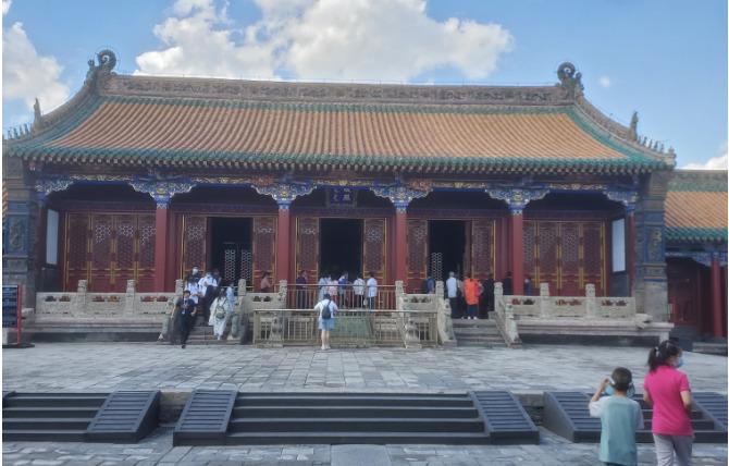 瀋陽故宮の崇政殿