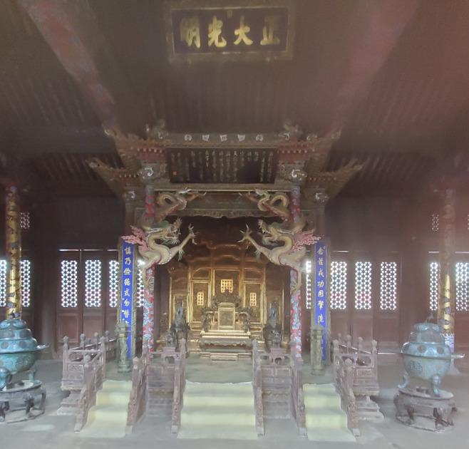 瀋陽故宮の崇政殿の内部